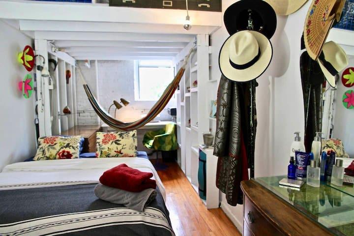 private Loft room. Double bed/hammock/desk/closet, etc
