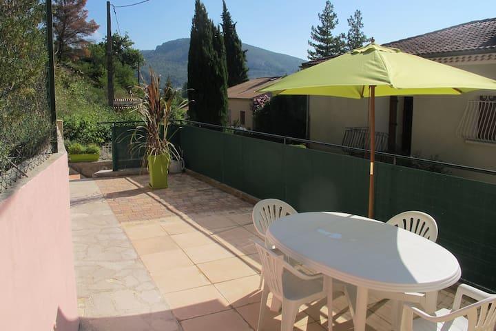Appartement 2 p. 38m2 terrasse, Drôme provençale - Les Pilles - อพาร์ทเมนท์
