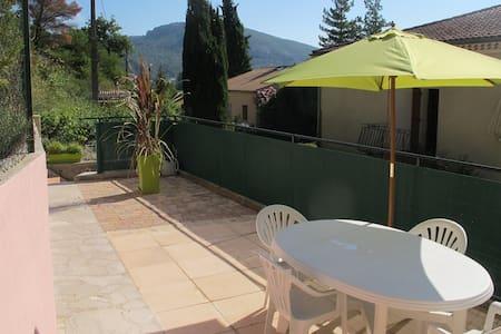 Appartement 2 p. 38m2 terrasse, Drôme provençale - Les Pilles
