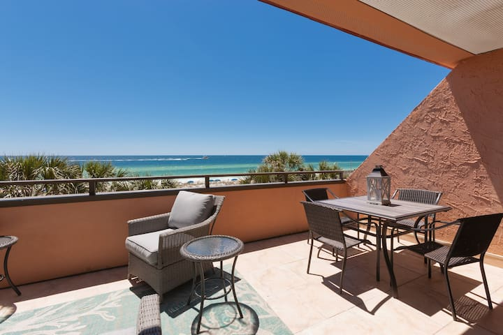 Inspiring views of the Gulf await on the main-floor balcony.