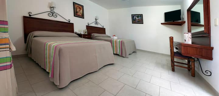 Los Olivos Spa - Room 2 with two double beds