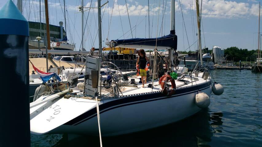 Barca A Kerkira 2/4 cabina matrimoniale poppa