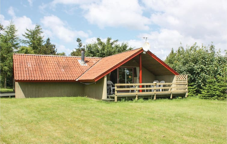 Holiday cottage with 3 bedrooms on 68 m² in Knebel