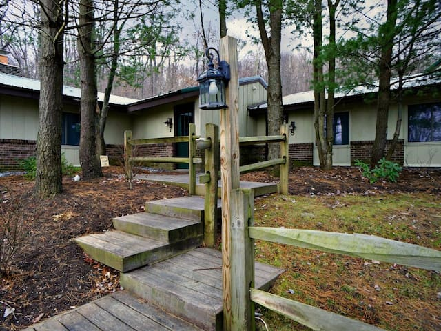 Mosser Road North #7- Sweet 2 Bedroom Retreat Just Minutes from the Lake