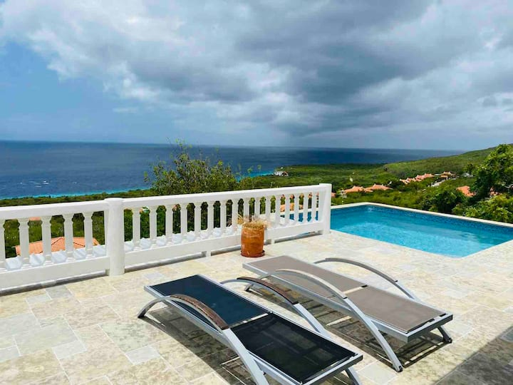Family villa - fantastic seaview and private pool
