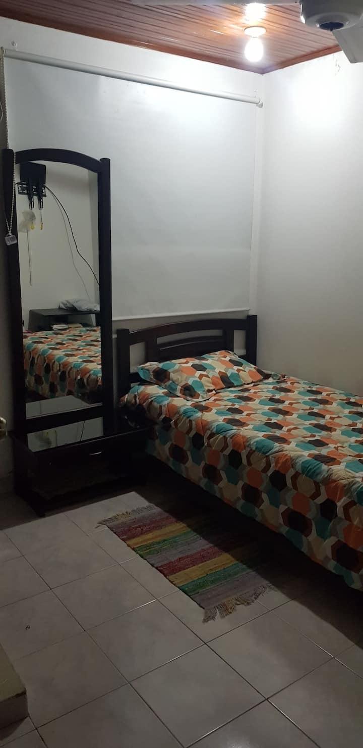 Habitacion privada con aire acondicionado Paraiso