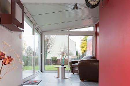 Rez de maison privatif 2 chambres - Deuil-la-Barre - House
