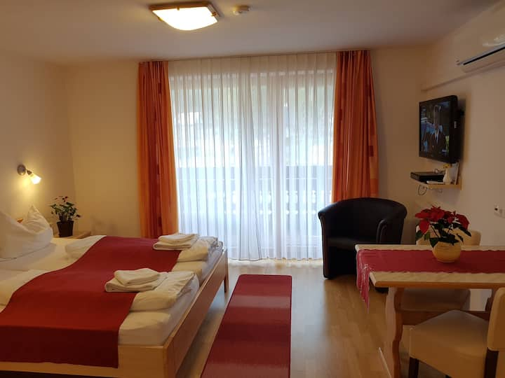 Hotel Gasperin - Quadruple room with balcony and mountain view