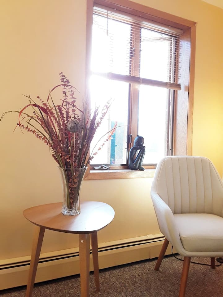 The Serenity Suite, Historic Downtown Calumet