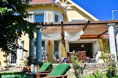 Villa Pergola - your own villa, terrace and garden
