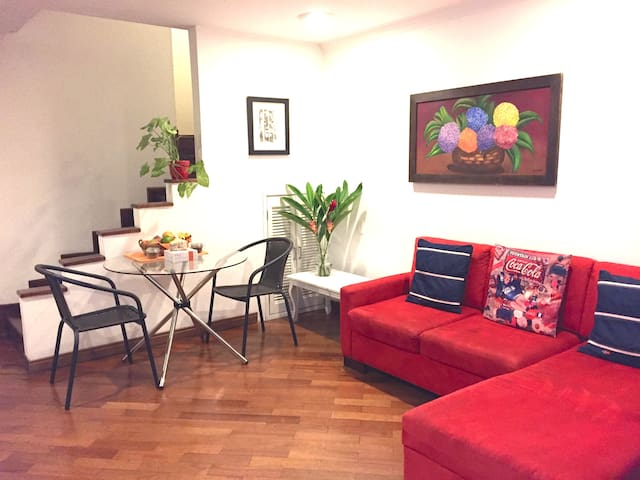 Poblado suite w/ own kitchenette + lovely garden