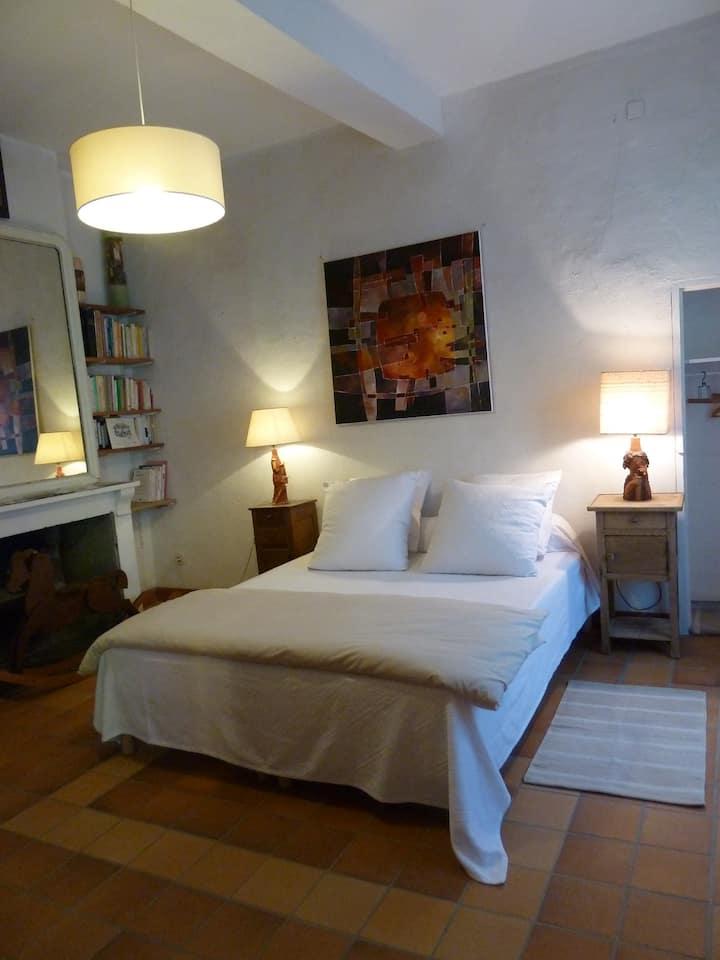 Chambre dans maison du XIVème à Lagrasse 11220