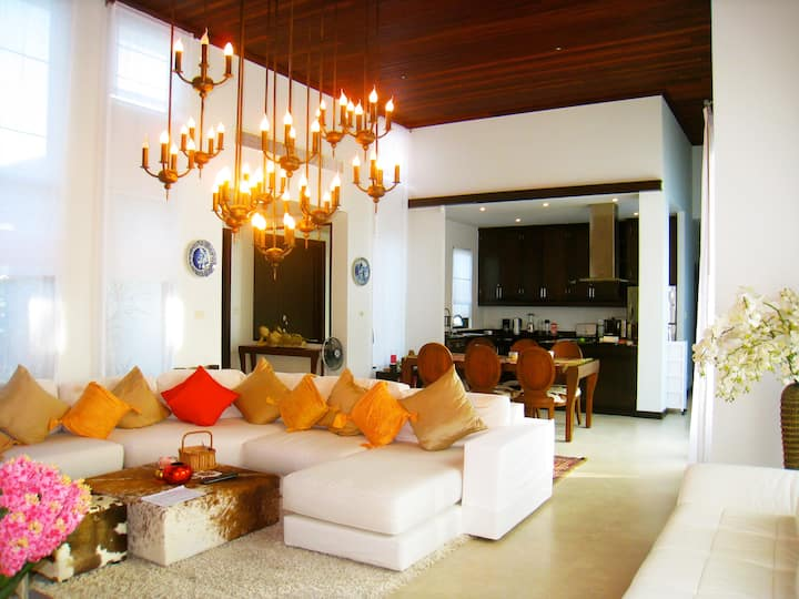 Luxury villa 3-bedroom Bangtao Beach with pool
