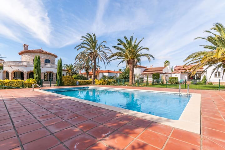 Gorgeous Holiday Home in Torroella de Fluvia with Garden