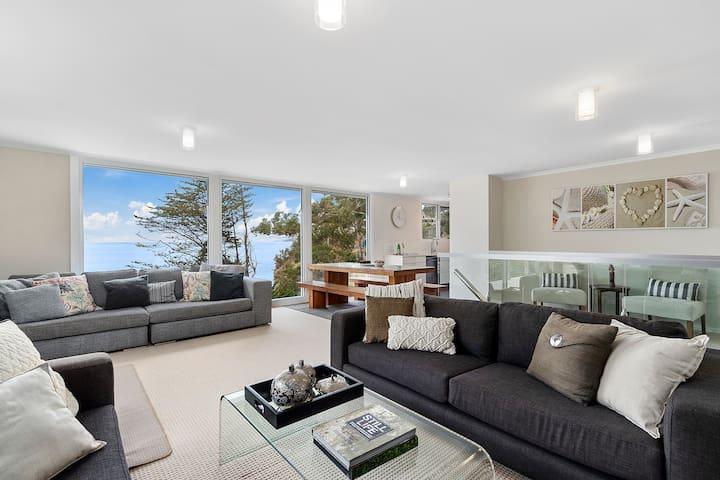 5 Bed Luxury Waterfront-Hidden Bay-Long/Short term
