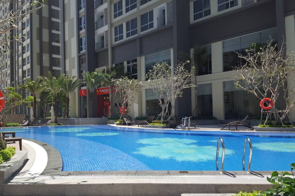 Free Swimming Pool (open from 6am-12am, 14pm-22pm)