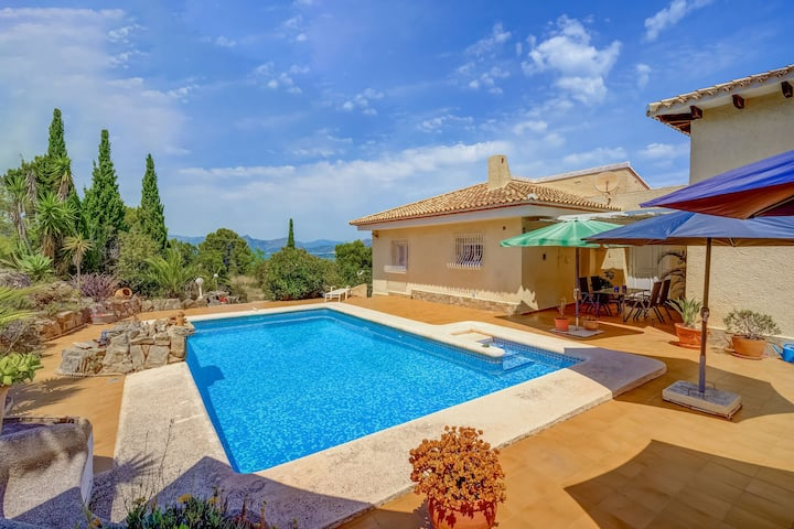 Beautiful Villa in Pedreguer with Swimming Pool