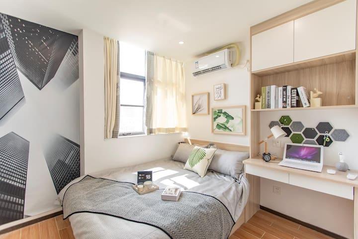 青年旅社,租期价格您来定,来看一下吧,最少1个月起租,此房源单独出一间卧室,11号线机场沿线后亭地铁