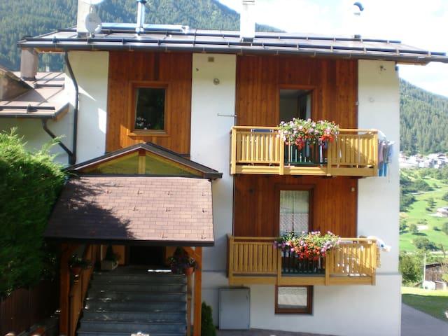 """Cozy Apartment """"Casa Penasa Appartamento 2"""", CIPAT 022064-AT-064788, with Mountain View, Wi-Fi, Balcony & Garden; Parking Available"""