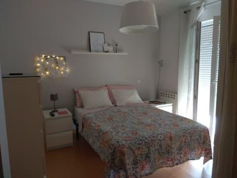 Habitación doble con baño  privado y balcon