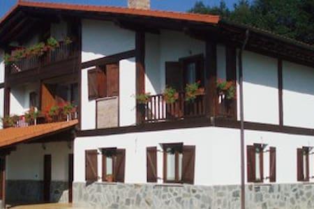 Muy cerca de San Sebastian, Zumaia,Zarauz, Getaria - Azkoitia - Herberge