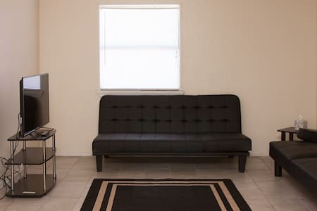 2 bedroom apartment to yourself! - Lawton - Departamento