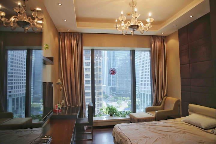广州CBD珠江新城金融中心高档公寓兴盛路风情商业街豪华装修商务旅行绅士风格
