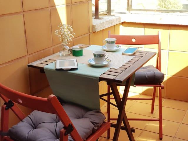 BED & CIES - Céntrico ático con terraza y garaje