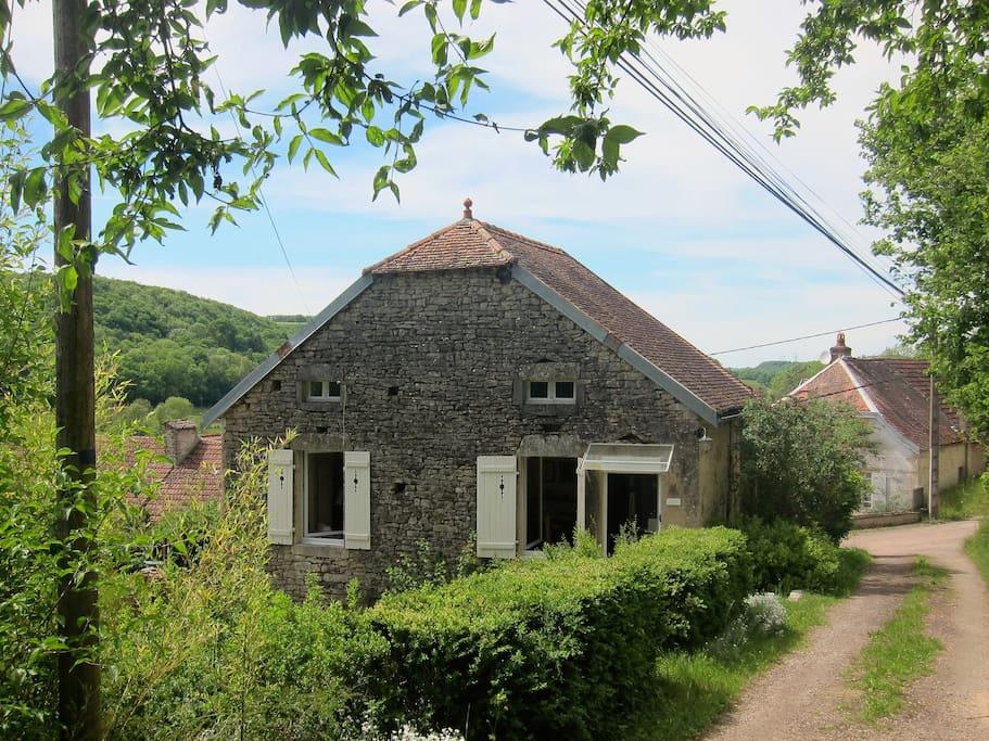 A pretty, rural cottage