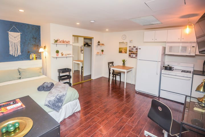 O.D1- Cozy Affordable Private Studio in Hollywood