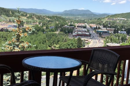 Cozy, downtown, with awesome views! - Steamboat Springs