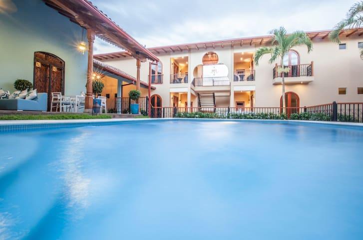 Plaza Marbella Granada Condominium - Suite 2