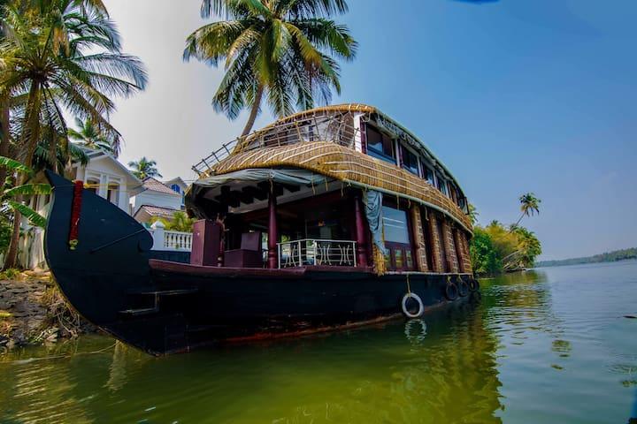 The Kochi Star Houseboat -Chettuva Backwaters - Chettuva - Tekne