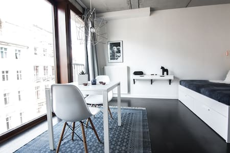 Design loft with rooftop garden in heart of Mitte - Berlin