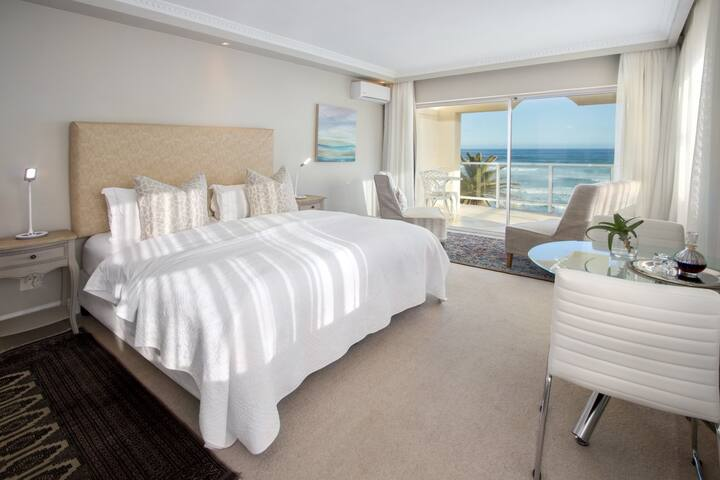 Hermanus Beachfront Lodge - Premier Suite