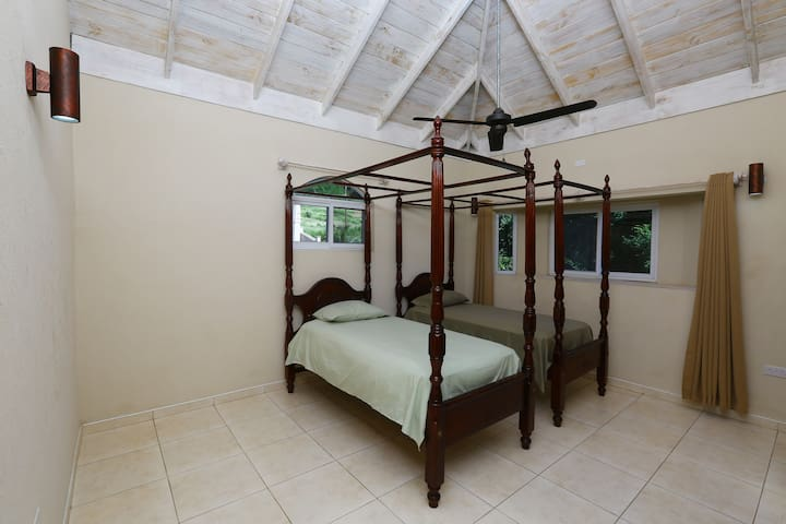 Third bedroom with twin single beds