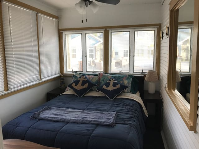 First Queen Bedroom - Nautical Theme