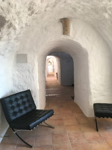 Cueva Hobbit   Stunning serene family cave 3 bed