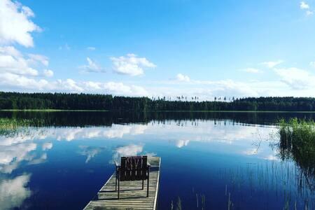 Beautiful cottage, next to lake Saimaa