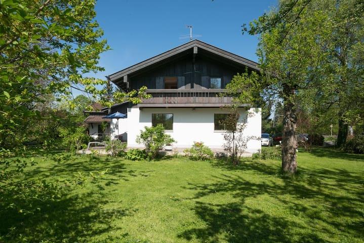 Ferienhaus im 3-Seengebiet in den Bayrischen Alpen - Hausham - Casa
