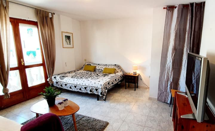 Looking for roommate - Altea. Big bedroom!