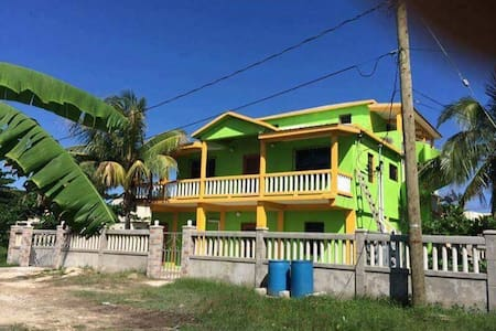 Paradise Beach House: 1 Bedroom Apartment - ซานเปโดร - อพาร์ทเมนท์