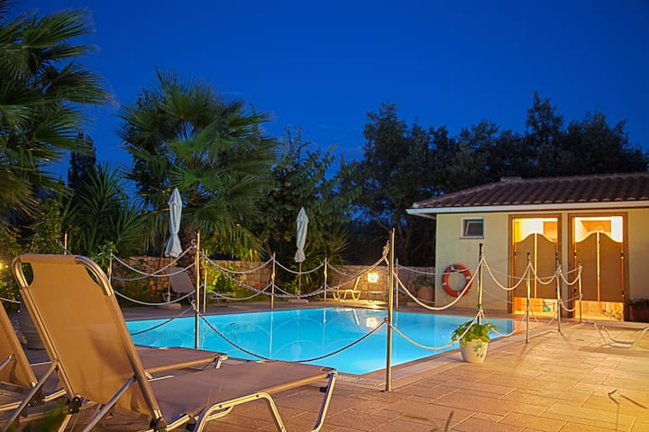 May Special from only 40 euros per night - GR - Daire