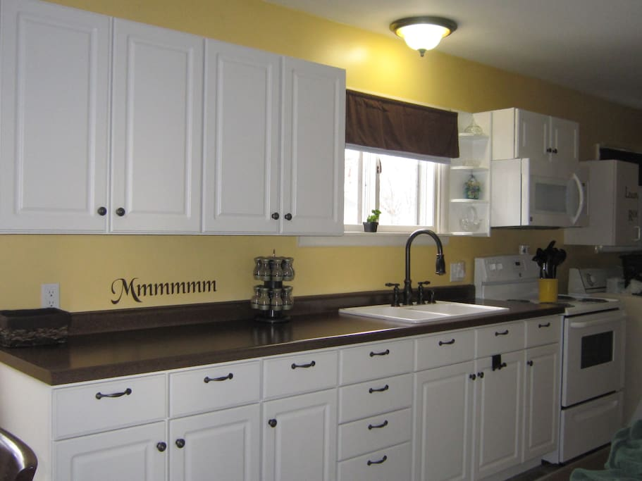 Large Kitchen, fully-equipped with dishes and cookware