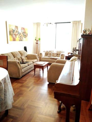 Nice room near the seaside in Magdalena del Mar