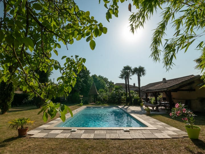 Maison entière - Gite Camous- piscine pr 10  pers