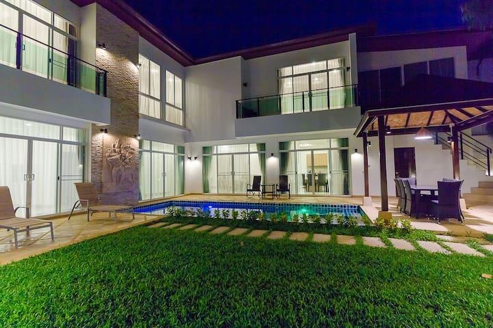 Luxary villa 5 bedrooms - Kammala - บ้าน