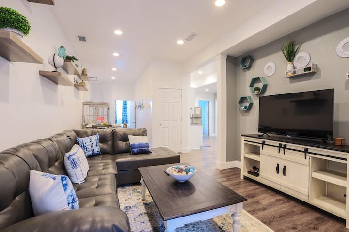 4 BR | CLEAN AND SECLUDED | DISCOUNTED
