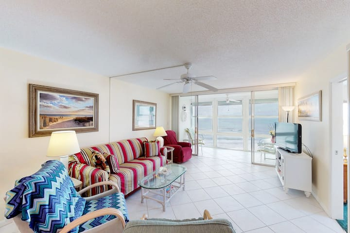 Ocean-front condo w/shared pool & Gulf views- steps from the beach!