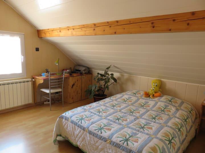 chambre dans villa plein sud vue sur montagne